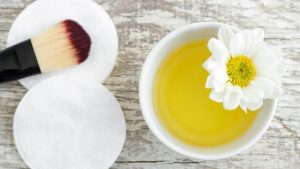 minyak zaitun untuk membersihkan wajah dan make up