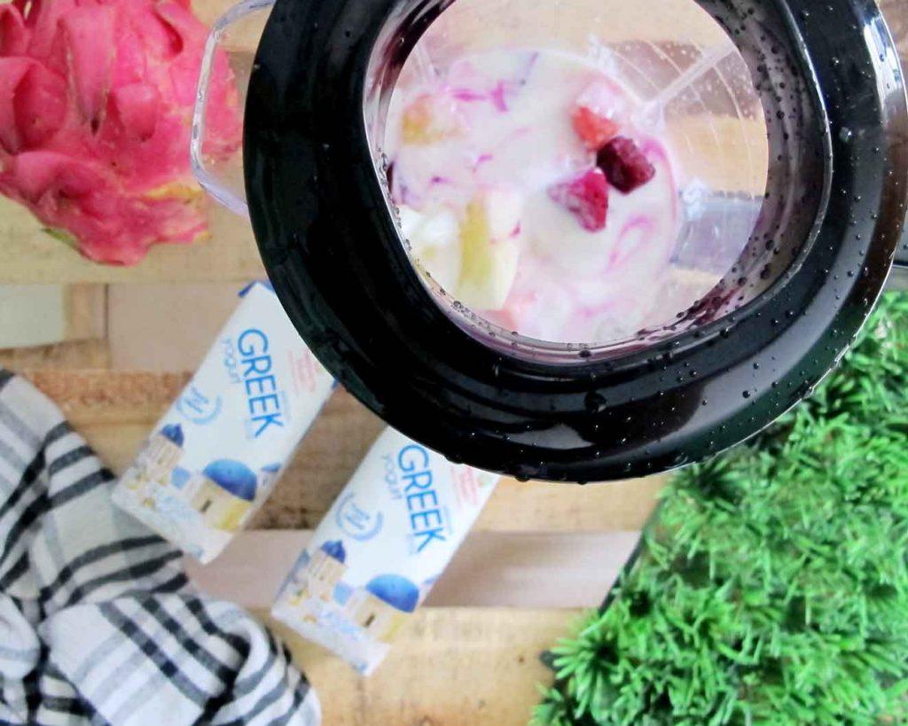 Heavenly Blush Greek Yogurt smoothies sehat