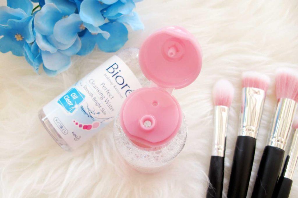 Review-Biore-Perfect-Cleansing-Water-wajah-bersih-sempurna-bebas-makeup