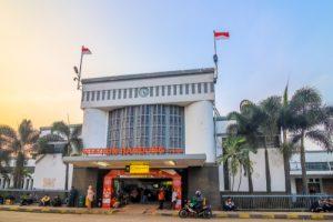 Stasiun Bandung untuk liburan akhir pekan