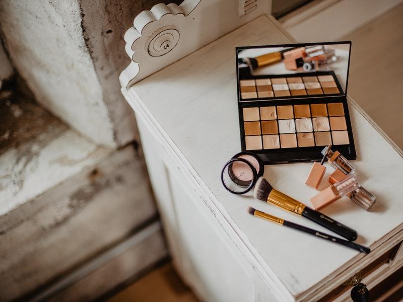 produk makeup untuk virtual meeting